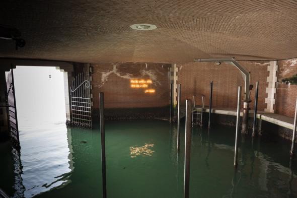 Mekhitar-Garabedian_Untitled-Gurgen-Mahari-The-World-is-alive-Venice